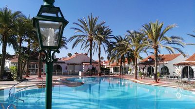 Photo for Bungalow with terrace and garden in Maspalomas