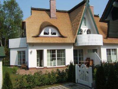 Photo for Holiday apartment with garden, just 50 meters from lake road and dike