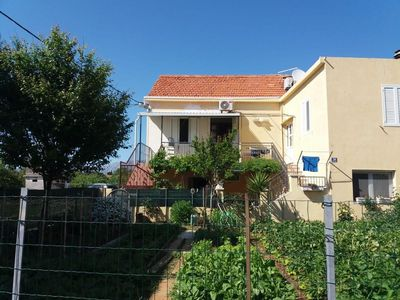Photo for Two bedroom apartment with terrace and sea view Sućuraj, Hvar (A-2058-a)