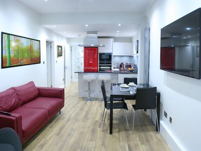 Photo for New Luxurious 3 Bed/2 Bath Garden Flat