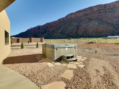Cool 2Br House Vacation Rental In Moab Utah 2515962 Agreatertown Home Interior And Landscaping Spoatsignezvosmurscom