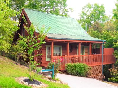 Photo for Great Gatlinburg Location! Beautiful log cabin with National Park views!