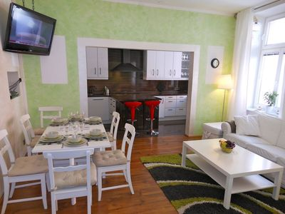 Dining Area for 8 persons, view towards kitchen