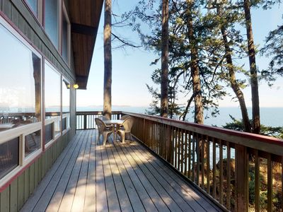 Photo for Adventure cabin on the water, perfect for wildlife viewing