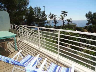 Photo for Superb apartment for 4 people, air conditioning, sea view, terrace, swimming pool, beach walk