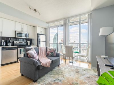 Photo for Simply Comfort. Bright&Colourful Condo in Downtown
