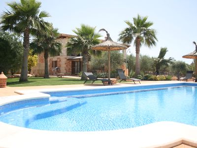 Photo for Villa Ca na Servera, swimming pool, jacuzzi, wifi, satellite, barbecue. Ideal families.