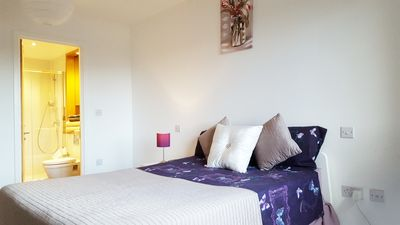 Photo for Beautiful London 3-bed Whole Flat 2 mins to Underground Tube, ExCeL O2