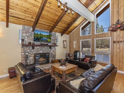 Photo for Cozy Castle: Close Proximity to Everything at this Woodsy Retreat! Pool Table! Foosball!