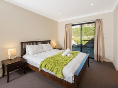 Photo for Maison Noir 2 - Well appointed modern accommodation with mountain views
