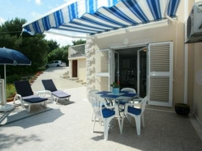 Photo for Apartment Rajna  A3 Crni(2+2)  - Sumartin, Island Brac, Croatia