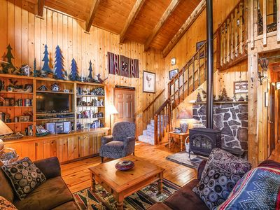Photo for NEW LISTING! Cozy cabin near golfing, rec center, shopping, dining & skiing