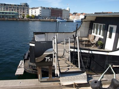 Photo for Studio apartment with terrace on Houseboat at the best spot in Copenhagen
