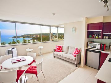 Sydney Holiday Apartment/Condo at Manly Beach + Panoramic Ocean Views!