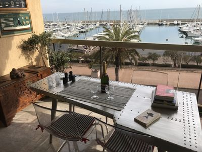 Photo for Stylish apartment in seafront residence, with wonderful view over harbor