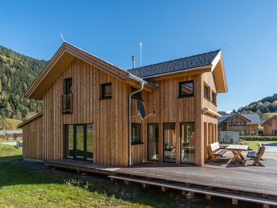 Photo for Luxurious, wooden chalet with in-house wellness area near Kreischberg