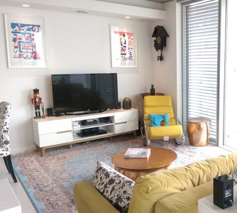 Photo for Large modern apt+balcony with London City Views