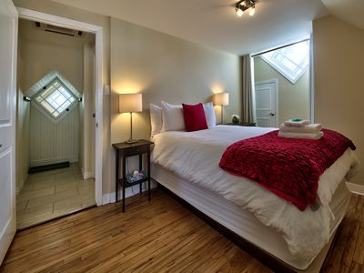 Wow!  Apartment Suites Central To Walk And Enjoy Tourist Attractions