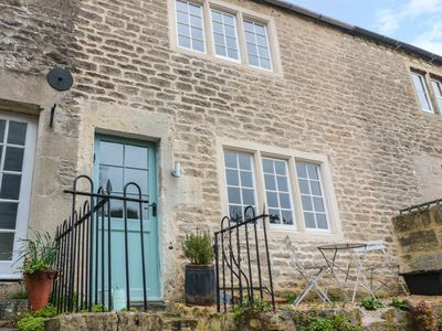 Photo for HOLLY COTTAGE, pet friendly in Bradford-On-Avon, Ref 977350