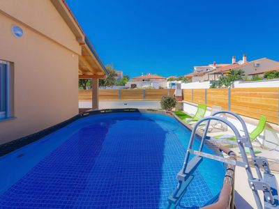 Photo for Vacation home Giovanni in Barbariga - 4 persons, 1 bedrooms
