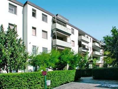 Photo for Apartment Appartementhaus Tre D (LSP170) in Lido di Spina - 5 persons, 1 bedrooms