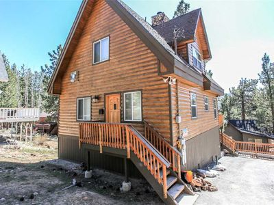 Photo for Cabin Big Bear By The Lake - Close to the Lake! WiFi, Luxurious with Hot Tub and Patio Set!