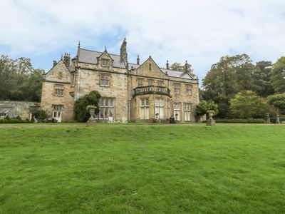 Photo for THE NORTH WING AT SANDHOE HALL, pet friendly in Corbridge, Ref 961419