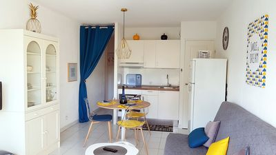 Photo for Charming studio 3 *, tastefully decorated by the sea, pool, air conditioning, park