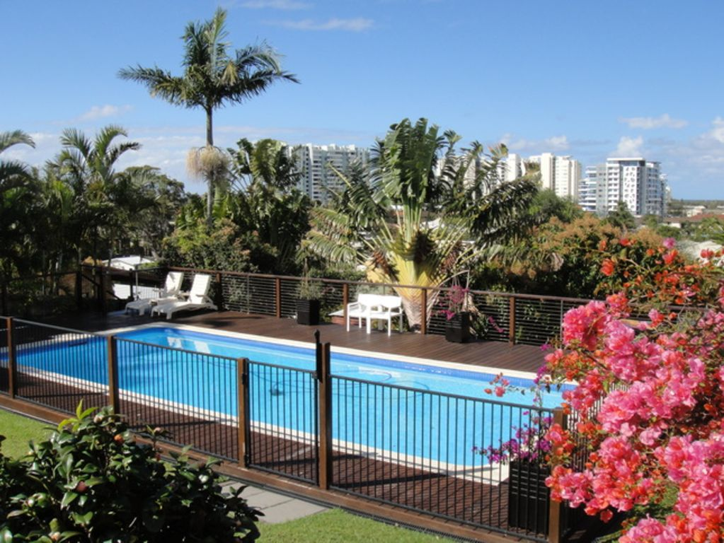 Hotels vacation rentals near griffith university gold coast trip101 for Griffith university gold coast swimming pool