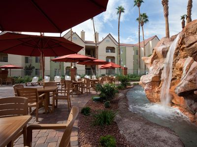 Desert Club offers the best of both Vegas experiences.
