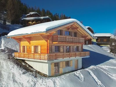 Photo for Chalet Le Chapeau - Very spacious chalet with large rooms - accessible by ski