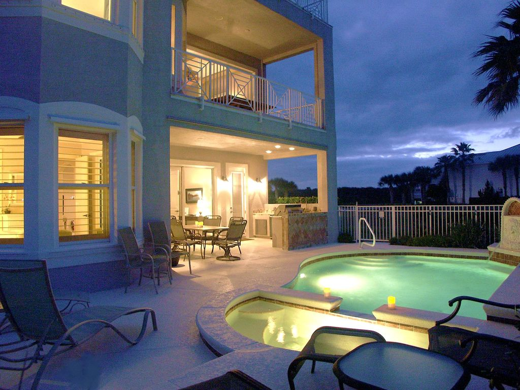 christmas week and new years week now on sale save big the cinnamon beach house pool - Big Houses With Pools For Sale