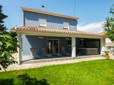 Photo for Holiday house Pula for 6 persons with 3 bedrooms - Detached holiday house