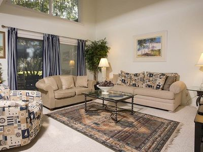 Photo for 299 Stoney Creek | Walk to Harbour Town Dining & Shopping | Courtyard View | Complex Pool|Sea Pines