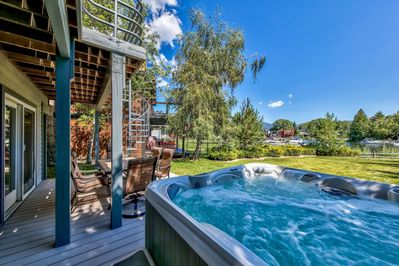 Relax those muscles in this large hot tub after a day on the bikes, trails, or slopes. The Tahoe Keys views are unbeatable!