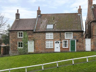 Photo for MAY COTTAGE, pet friendly, with a garden in Stillington, Ref 953092