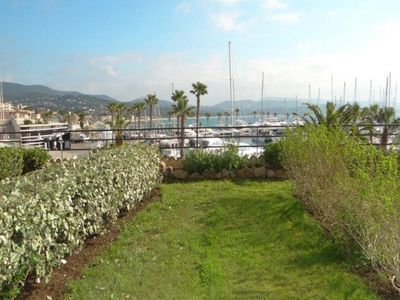 Photo for Apartment Cavalaire-sur-Mer, 2 bedrooms, 5 persons