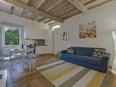 Photo for Pitti  apartment in Oltrarno with WiFi & integrated air conditioning.