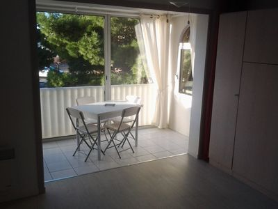 Photo for Good quality for this studio cabin of 30m ², very bright, right bank