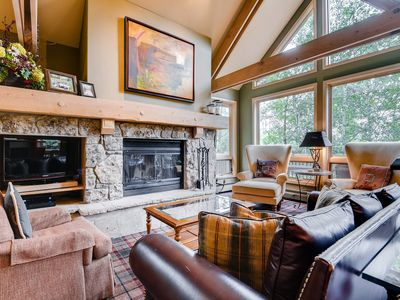 Photo for Slopeside Living - 3Br 4Ba at Pines Lodge