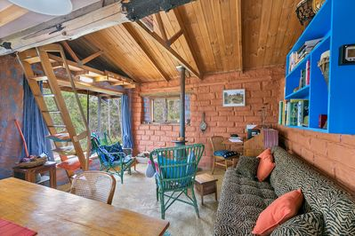Relax and unwind in the Mudbridck Cabin