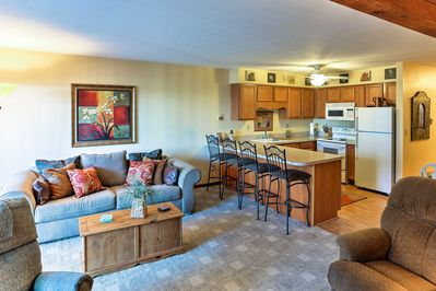 Hosting up to 4 guests, this condo provides all of the amenities of home.
