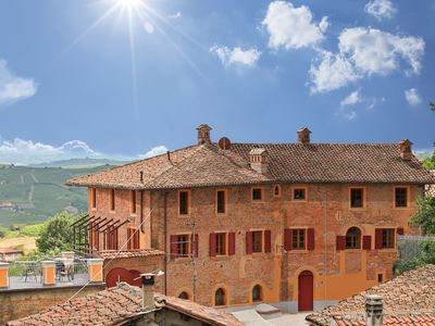 Photo for Dream house with pool & far-sightedness in the heart of the wine village Mombaruzzo