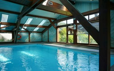 Photo for Ski in ski out, piste side, cosy apartment with an indoor pool!