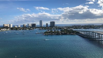 Photo for Gorgeous Palm Beach 2 Bedroom Apt- msg before book