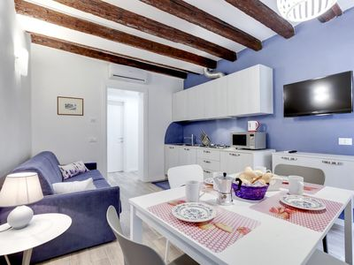 Photo for Ground floor apartment, recently renovated, with canal view and washing machine - Arsenale