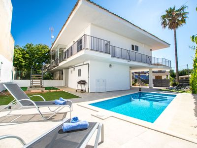 Photo for This 3-bedroom villa for up to 6 guests is located in Alcudia and has a private swimming pool, air-c
