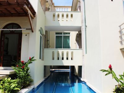 Photo for Five bedroom holiday house with pool