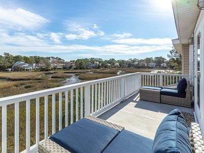 River's Song - Beautiful North Tybee Home Overlooking the Marsh