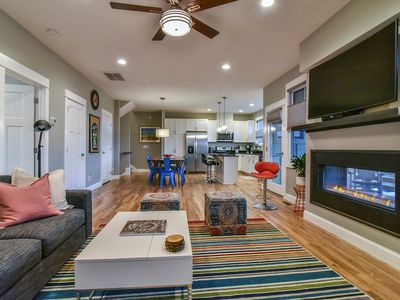 NEW Luxury Townhome, Sleeps 8, Minutes to Downtown AVL